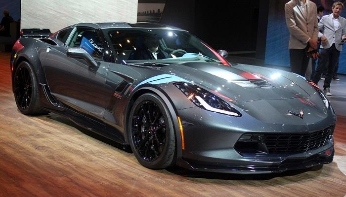Kalite Fiyat Bakımından 2017 Yılının En İyi Arabası Olmaya Aday 2017 Corvette Z06 Modelinin Fiyatı