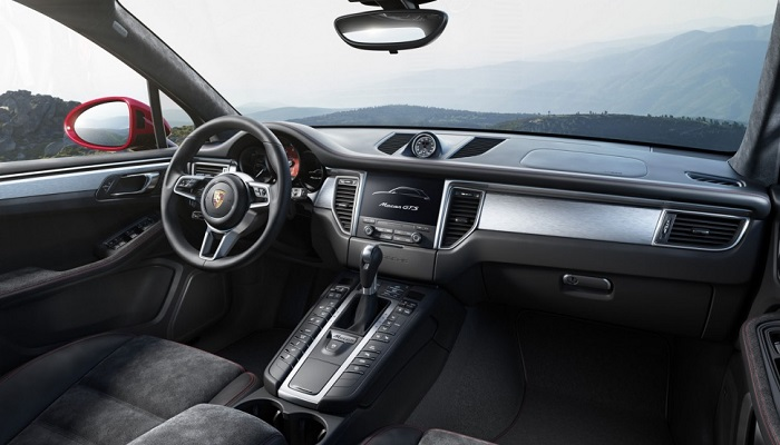 Porsche'nin Yeni Canavarının Lüks Tasarımı