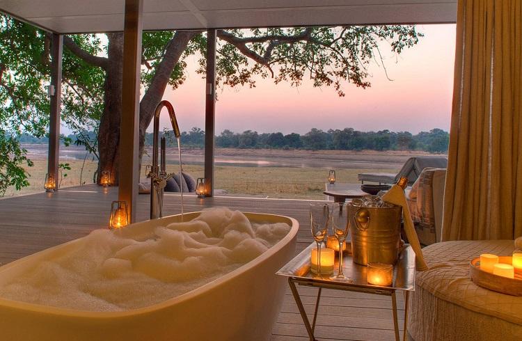 """Vahşi Yaşamın Olağanüstü Güzelliğini Sunan Lüks Otel: """"Retreat Selous"""""""
