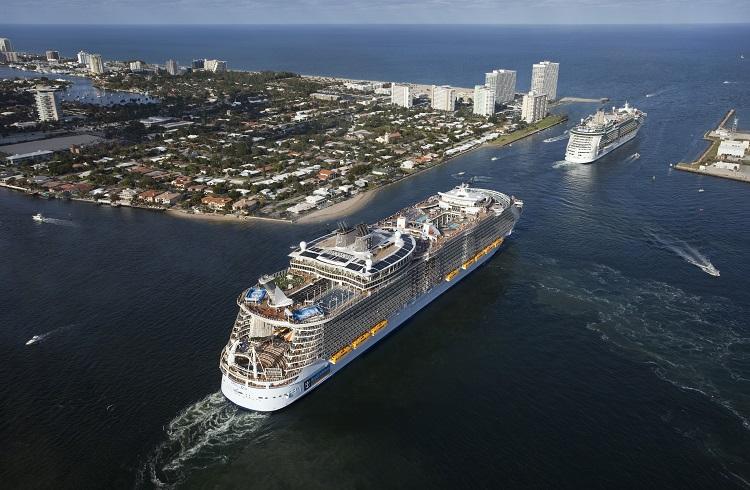 """Dünyanın En Büyük Yolcu Gemisi: """"Harmony Of The Seas"""""""