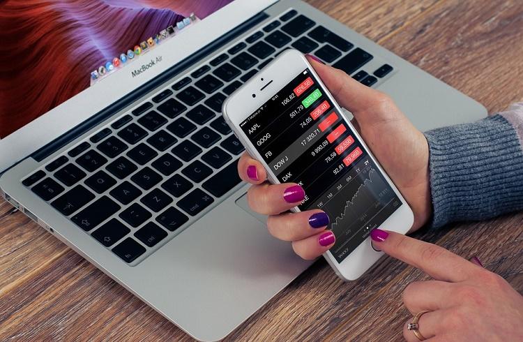 Akıllı Telefondan Forex Hesabı Açmak için Ne Yapmalı?