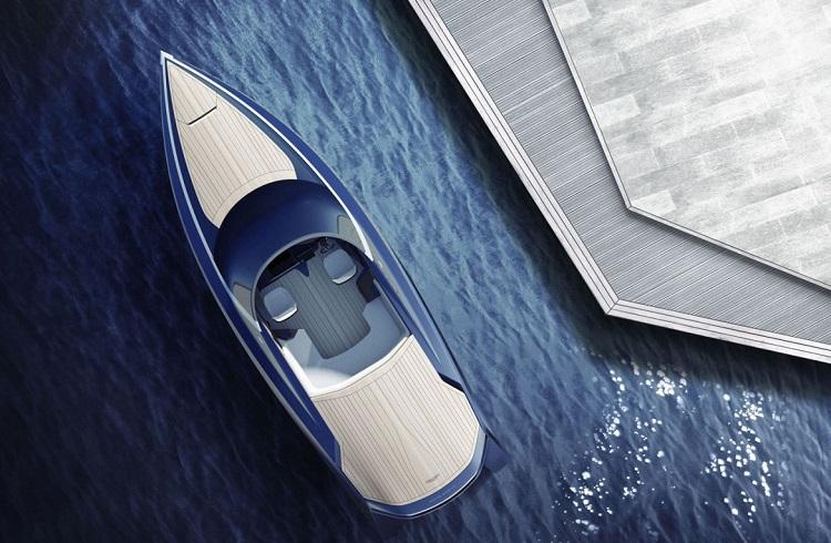 """İngiliz Otomotiv Devinden Lüks Sürat Teknesi: """"Aston Martin AM37"""""""