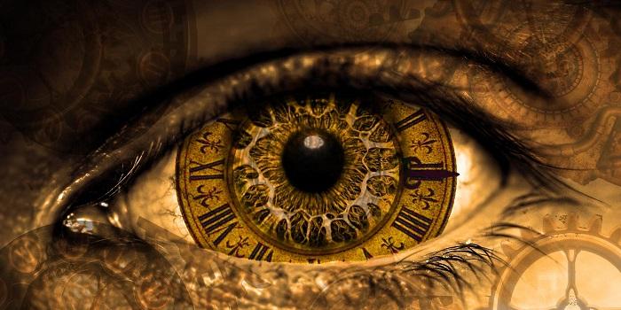 Saat İbresinin Hiç Durmadığının Farkında Olmak!