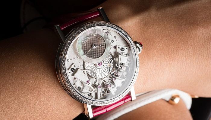 Breguet Tarafından Üretilen Tradition Dame 7038 Saatinin Zarif Tasarımı
