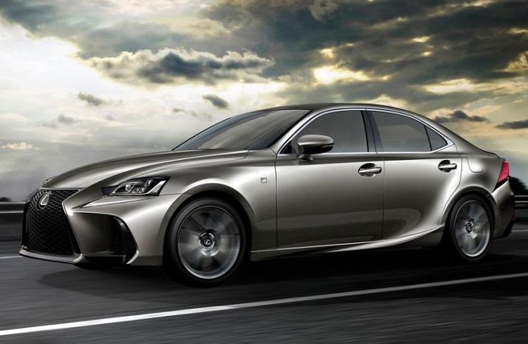 İleri Teknoloji ile Yenilenen Lexus'un Efsane Modeli 2017 IS!