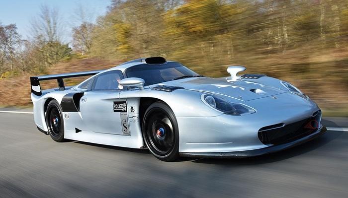 Yarış Canavarı Porsche Modelinin Üstün Performansı