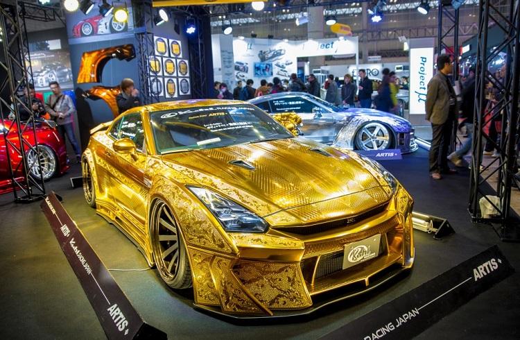 Altın Kaplama Nissan GT-R Dubai'yi Kendine Hayran Bıraktı!