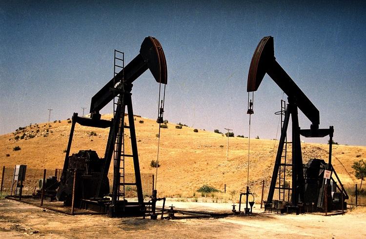 Arz Fazlasının Azalmasıyla Petrol Kazançlarını Genişletiyor