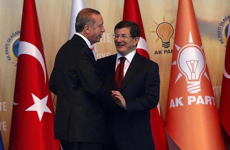 Ahmet Davutoğlu'nun Gidişi Yurtiçi Piyasaları Nasıl Etkileyecek?