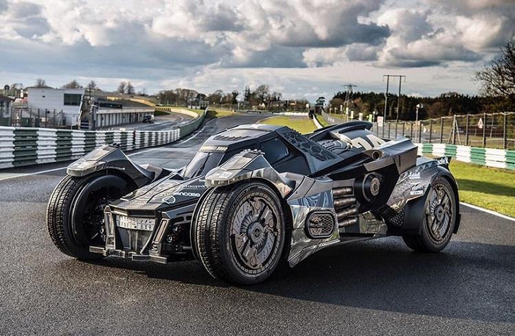 """Caresto Tarafından Batmobile'ye Dönüştürülmüş Bir Lamborghini: """"Arkham Car"""""""