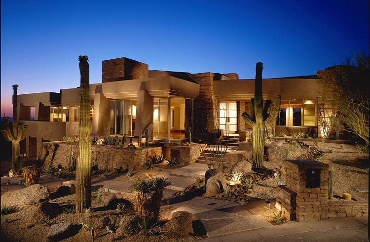 """Çölün Ortasında Lüks Olanaklar Sunan Bir Vaha: """"Arizona Mansion"""""""