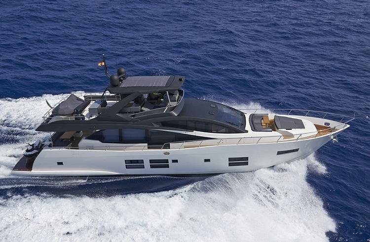 """Denizlerde Fırtına Gibi Eseceğiniz Lüks Yat: """"Astondoa 80 GLX"""""""