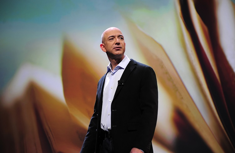 Jeff Bezos Saatte 8,3 Milyon Dolar Kazandı!