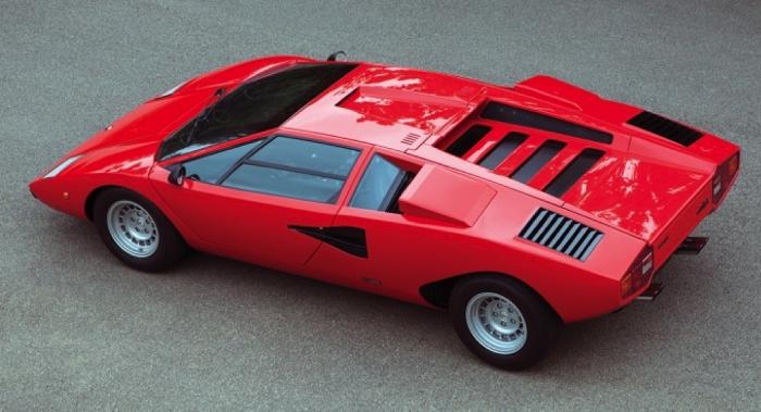 Lamborghini Countach Modelinin Tarihi Değişimi