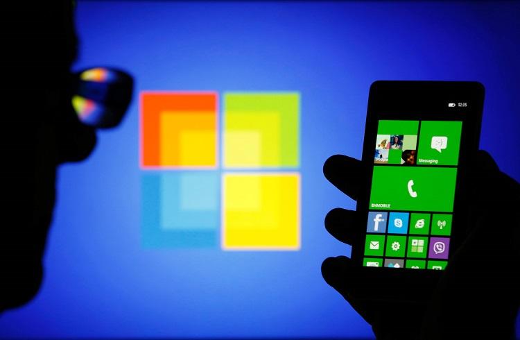 Microsoft Nokia'yı Foxconn'a Sattı!