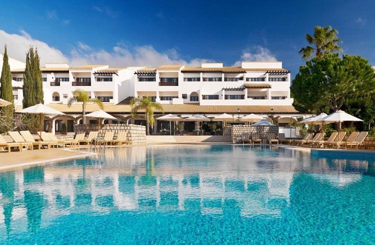 """Portekiz Sahillerinde Kaliteli Tatilin Adresi: """"Pine Cliffs Resort"""""""