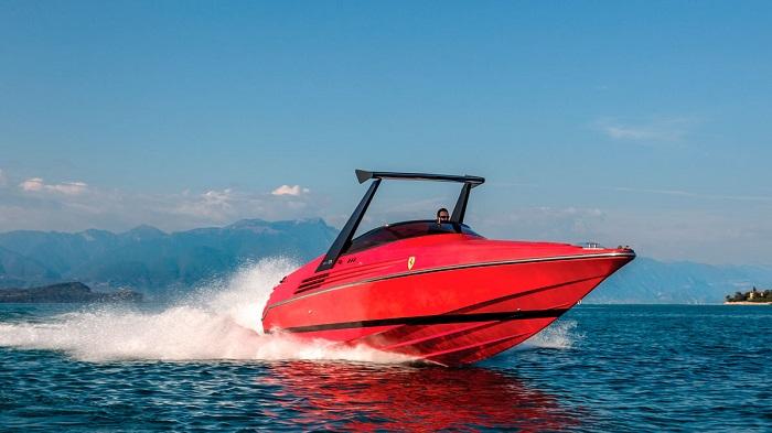 Riva 32 Teknesinin Güçlü Performansı