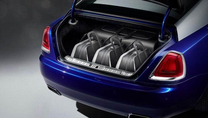 Rolls Royce Wraith Modeliyle Uyumlu Bir Valiz
