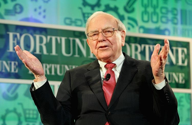 Warren Buffett 1 Milyar Dolar Değerinde Apple Hissesi Aldı!