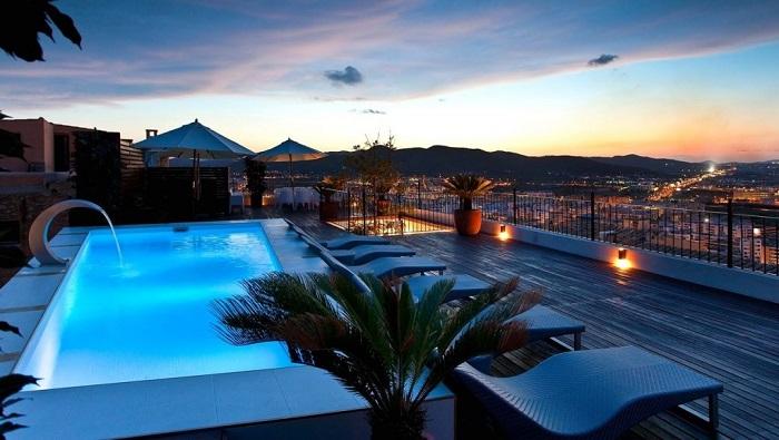 Ibiza'nın Güzelliklerini Sunan Bu Eşsiz Malikanenin Değeri