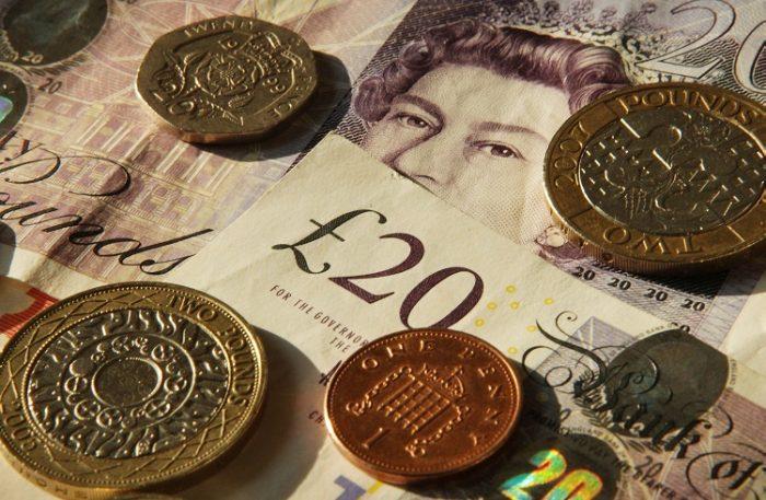 İngiliz Sterlini Yatırımı için Forex Piyasası Mantıklı mı?