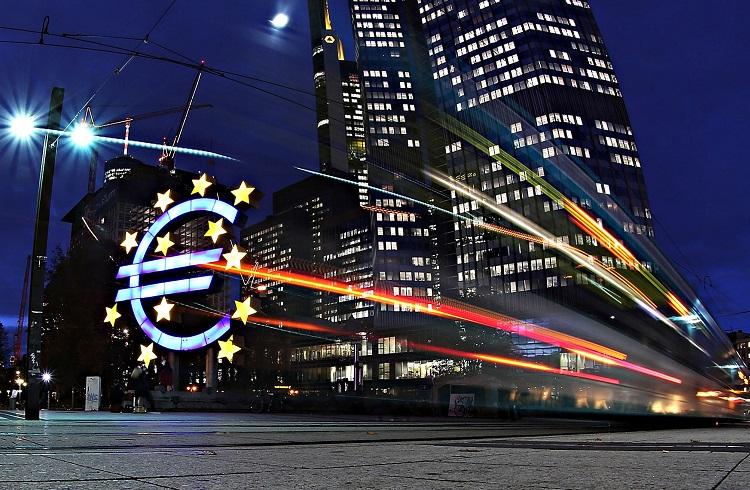 Uzmanlar ECB'nin 2016 Haziran Toplantısı Öncesi Öngörülerini Açıkladılar