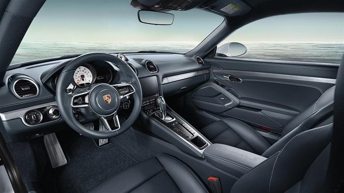 Yenilenmiş Porsche Modelinin Lüks İç Mekan Tasarımı
