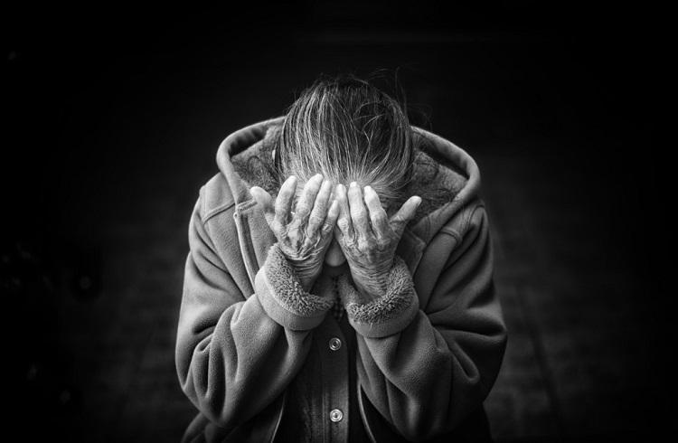 Zihinsel Olarak Yaşlandığınızı Gösteren 6 Üzücü İşaret