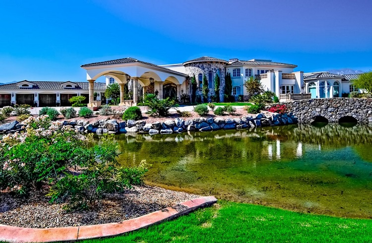 """5 Yıldızlı Otelleri Gölgede Bırakacak Bir Malikane: """"Casa Rancho Mirage"""""""