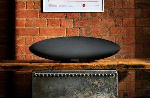 """Bowers&Wilkins Şirketinin Yeni Sanat Eseri: """"Zeppelin"""" Kablosuz Hoparlör"""