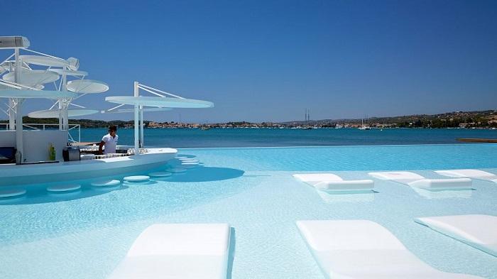 Büyüleyici Olanaklarıyla Nikki Beach Resort&Spa