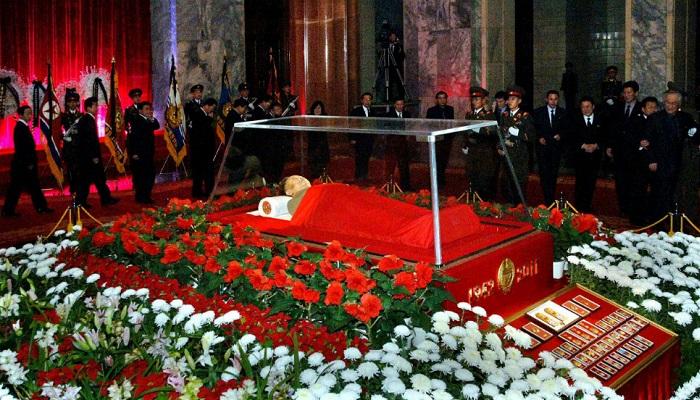 Mao Zedong'un Kristal Tabutu