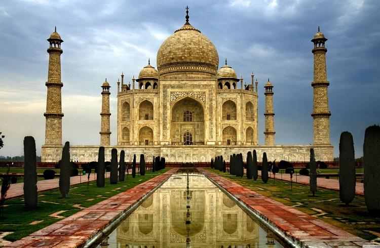 Dünyanın En Değerli 15 Mezarı