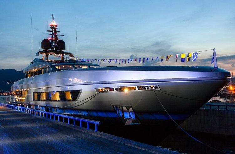 """Efsanevi Firmadan Göz Alıcı Yeni Bir Yat: """"Baglietto 46M Fast"""""""