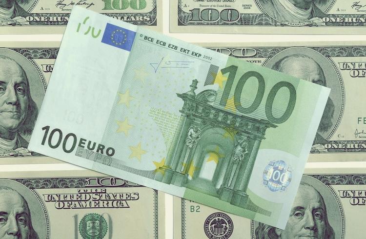 EUR/USD Paritesi Yatırımı için Forex Piyasası Mantıklı mı?