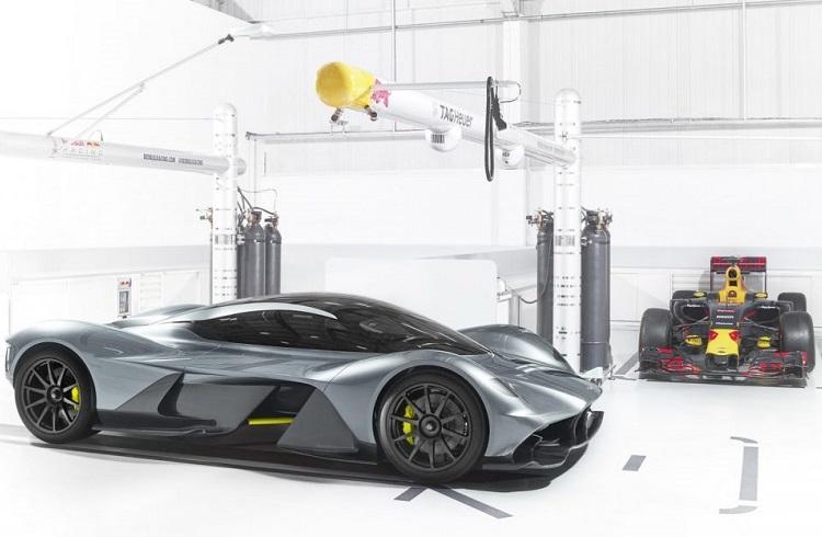 "Formula 1 Arabalarına Toz Yutturan Bir Aston Martin Modeli: ""AM-RB 001"""