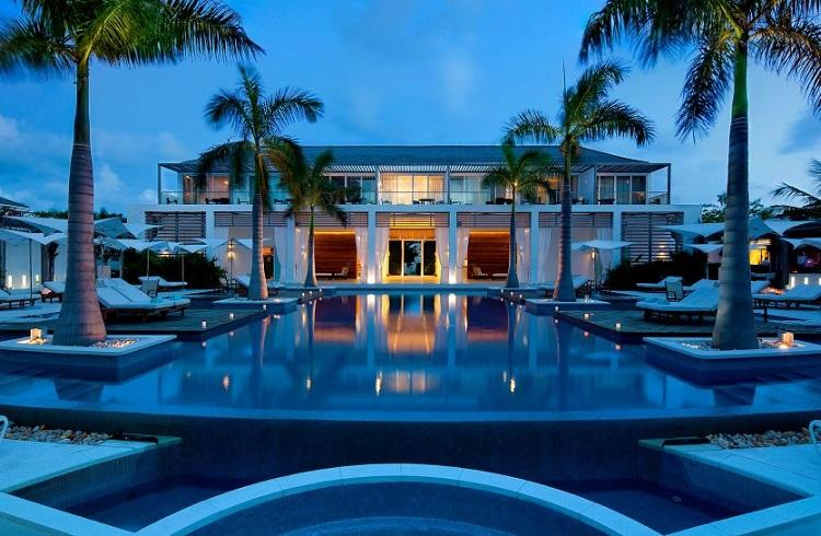 """Karayip Rüyasını Kusursuzca Gözler Önüne Seren Lüks Otel: """"Gansevoort"""""""