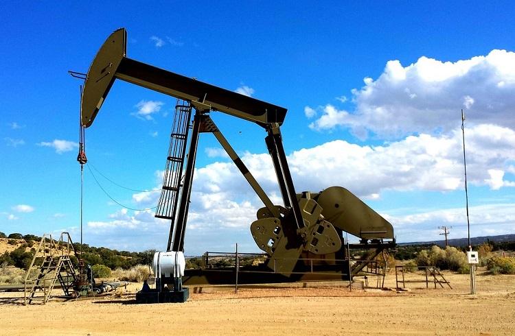 Petrol Arz Fazlasına Bağlı Olarak Dalgalı Seyrediyor