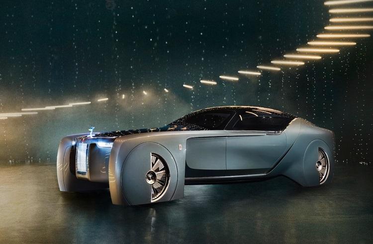 """Rolls-Royce'un 112 Yıllık Tarihinin İlk Konsept Arabası: """"103EX"""""""