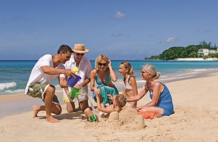 Çocuklu Aileler için Tatil Yapmanın 6 Tasarruflu Yolu