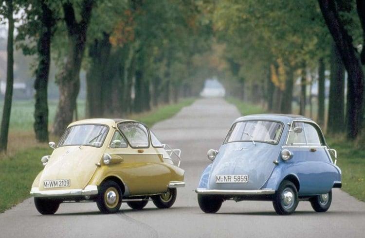 Şaşkınlık Yaratan Boyutlarıyla Dünyanın En Küçük Arabaları