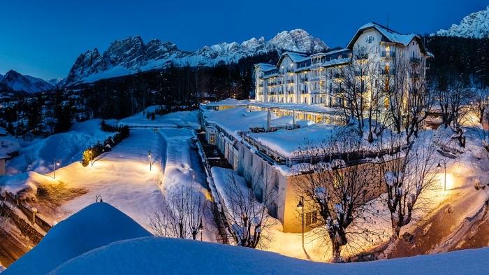 Eşsiz Bir Tabiat ile Çevrili Büyüleyici Cristallo Hotel