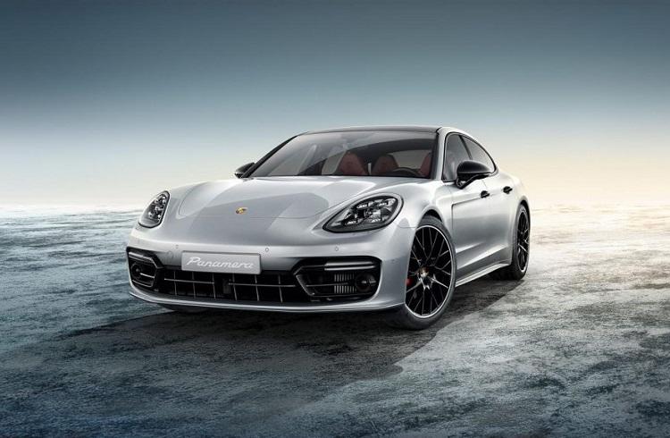İkinci Nesil Yeni Porsche Panamera Versiyonlarının Detaylı İncelemesi