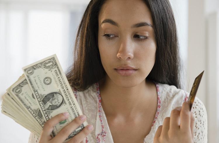 Kredi Kartı Yıllık Ücreti Yasal mı? Geri Alınır mı?