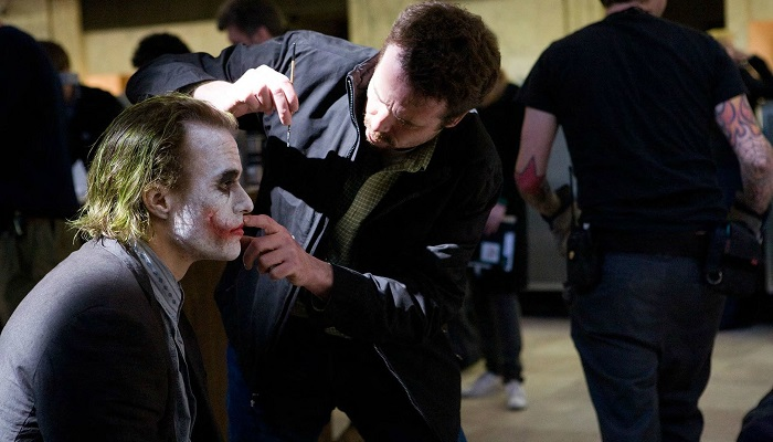 Ledger Kendi Makyajını Kendisi Yapıyordu