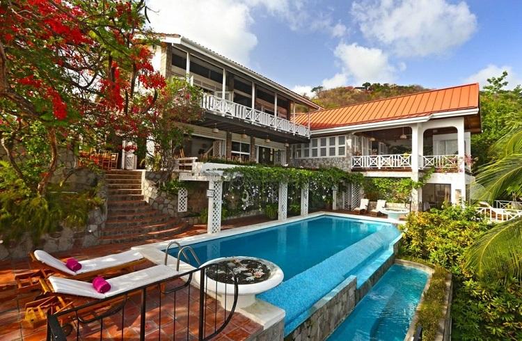 """Saint Lucia'nın Cennet Kıyılarında Büyüleyici Bir Tatil Evi: """"Le Gallerie"""""""