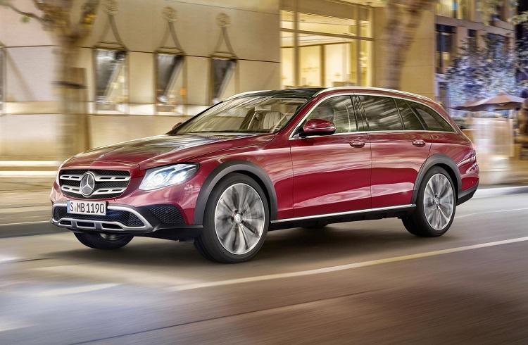"""Zorlu Koşulların Kolaylıkla Üstesinden Gelen Şık Bir Mercedes Modeli: """"2018 E-Class All-Terrain"""""""