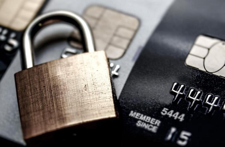 ATM'lerde, Telefon ve İnternet Bankacılığında Güvenli İşlem Nasıl Yapılır?