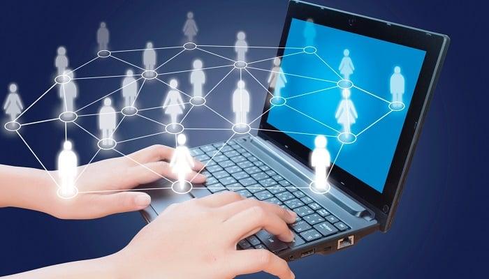 İnternet Üzerinden Arkadaş Bulmanızı Kolaylaştırır