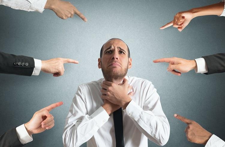 Sosyal Fobinizi Daha Korkunç Bir Hale Getiren 5 Alışkanlık